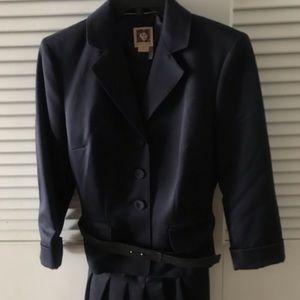 Women's business pleated skirt suit w/ belt